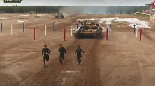 Đội xe tăng Việt Nam cán đích sau Myanmar trong trận bán kết Army Games - 22