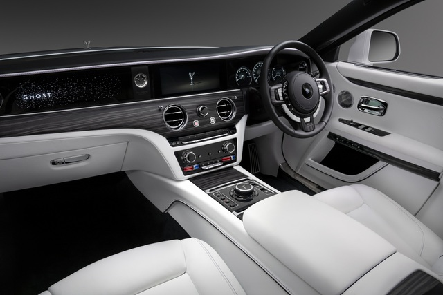 Rolls-Royce Ghost thế hệ mới chính thức ra mắt - 3