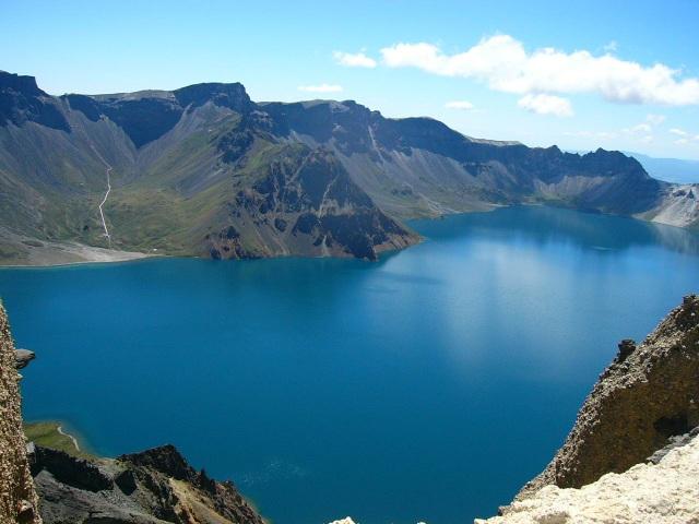 Hồ sâu nhất thế giới trên núi cao, chứa 2 tỷ tấn nước nhưng cá khó sống - 3