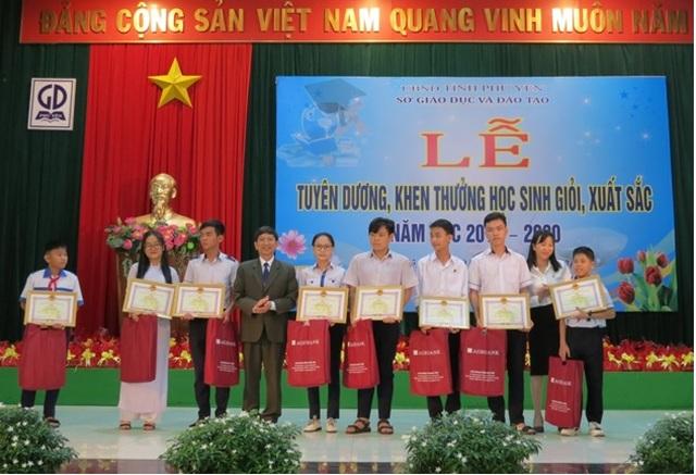 Phú Yên: Tuyên dương hơn 229 học sinh giỏi, xuất sắc năm học 2019 - 2020 - 2