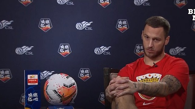 Tiết lộ sốc của sao ngoại hạng Anh khi sang Trung Quốc chơi bóng - 2