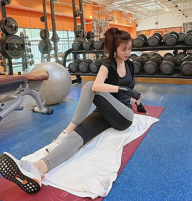 Giảm ngoạn mục 5kg trong 10 ngày, Cao Thái Hà tự tin diện bikini khoe dáng - 3