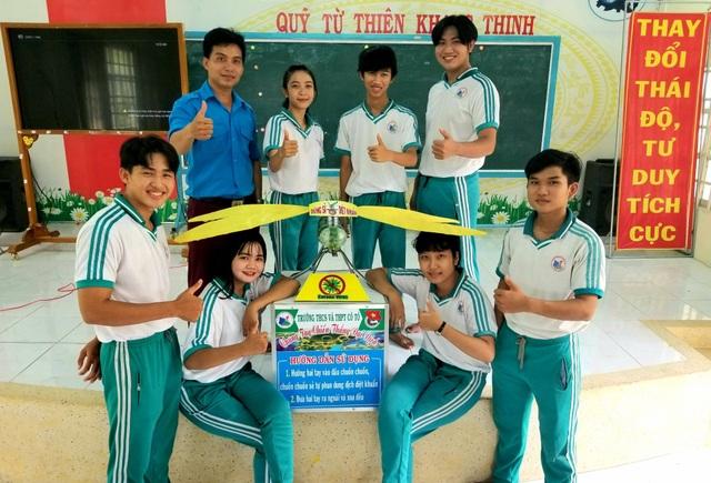 Học sinh, sinh viên An Giang tham gia lắp ráp máy khử trùng diệt khuẩn tự động phòng chống Covid-19 - 3