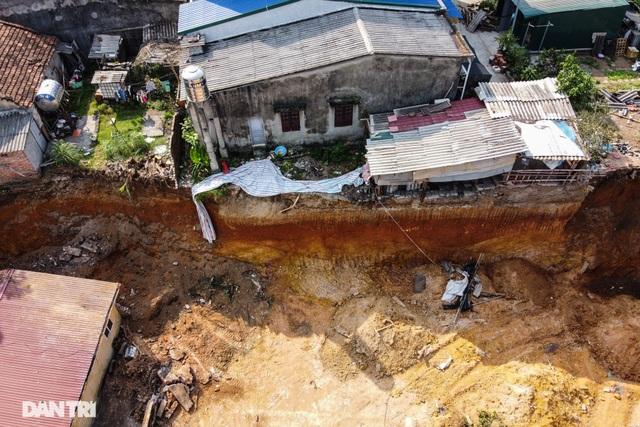 Hiện trường vụ sạt lở đất tại Phú Thọ, 4 người tử vong - 1