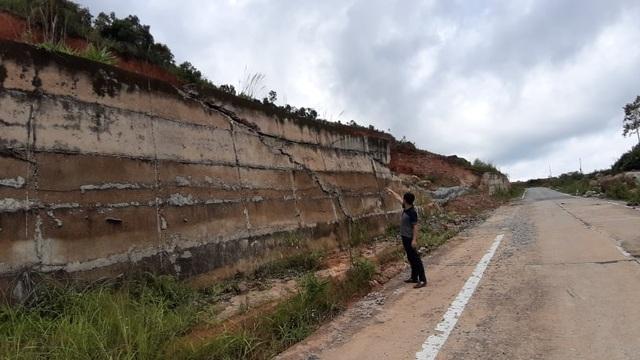 Kinh hãi đoạn đường hơn 500 tỷ đồng tiềm ẩn nguy hiểm trước mùa mưa bão - 5