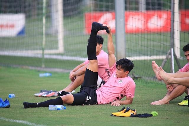 Văn Hậu đá chính, CLB Hà Nội thắng Viettel trước ngày V-League trở lại - 1