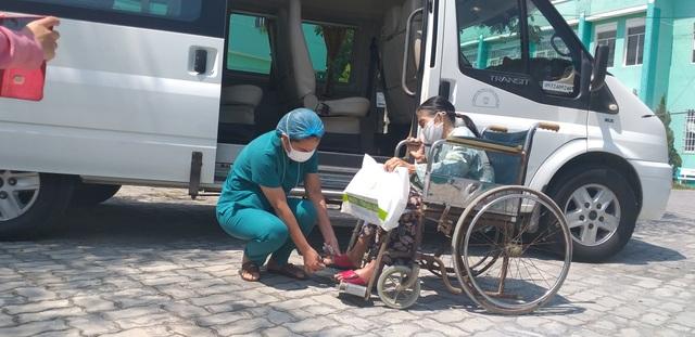 Đà Nẵng: Thêm 11 bệnh nhân mắc Covid-19 ra viện - 2