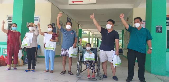 Đà Nẵng: Thêm 11 bệnh nhân mắc Covid-19 ra viện - 1