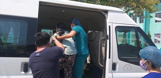 Đà Nẵng: Thêm 11 bệnh nhân mắc Covid-19 ra viện - 3