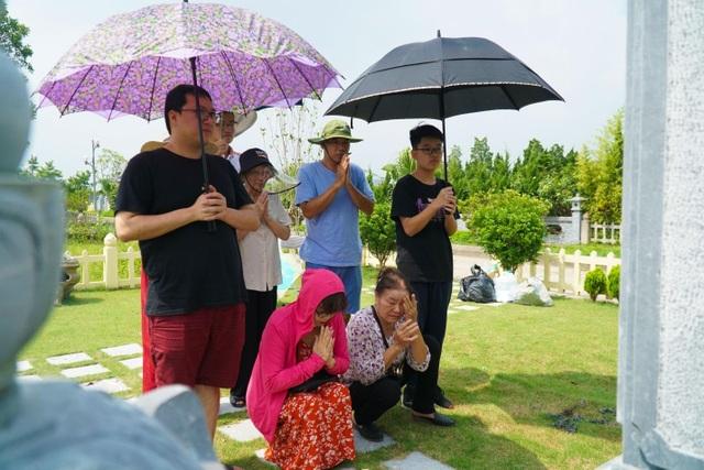 Đại lễ vu lan: Người dân đi tảo mộ tại Lạc Hồng Viên - 1