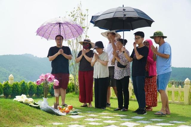 Đại lễ vu lan: Người dân đi tảo mộ tại Lạc Hồng Viên - 4