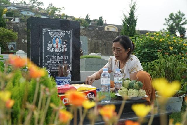 Đại lễ vu lan: Người dân đi tảo mộ tại Lạc Hồng Viên - 5