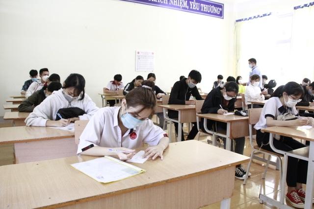 Đắk Lắk: Bố trí khách sạn, xe đưa đón thí sinh ngoại tỉnh dự thi tốt nghiệp - 4