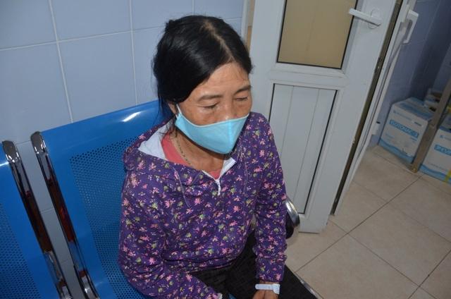 Thương người vợ nức nở ở hành lang bệnh viện: Các bác ơi cứu chồng em với! - 4
