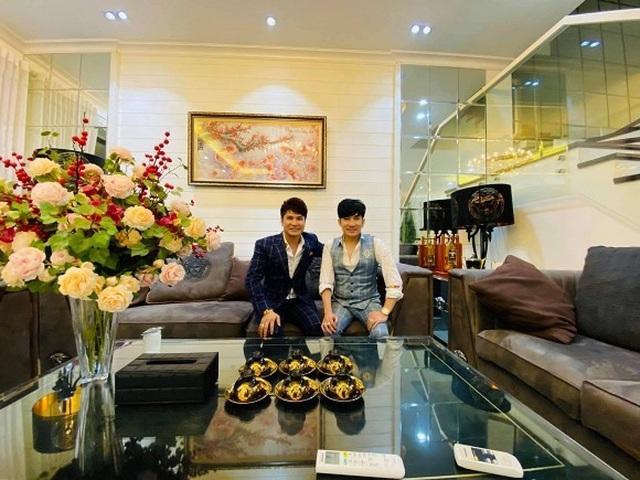 Có gần 20 căn nhà, Quang Hà sống thế nào trong biệt thự 20 tỷ đồng? - 1
