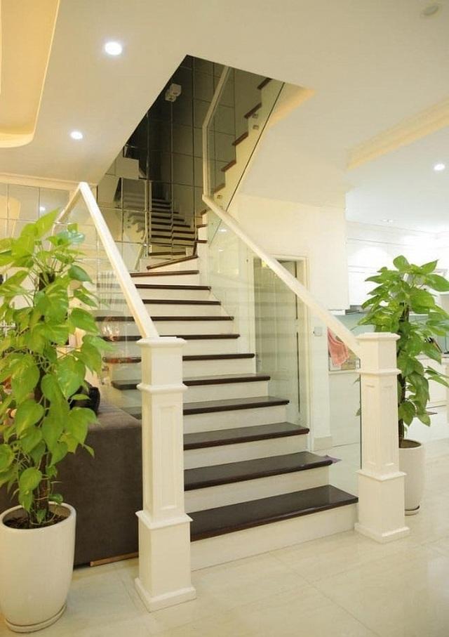 Có gần 20 căn nhà, Quang Hà sống thế nào trong biệt thự 20 tỷ đồng? - 8