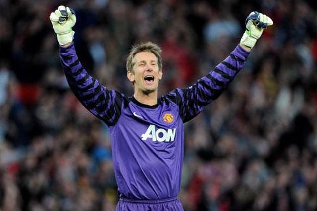 """Van de Beek tới Man Utd: Những người Hà Lan """"bay"""" ra sao ở Old Trafford? - 6"""