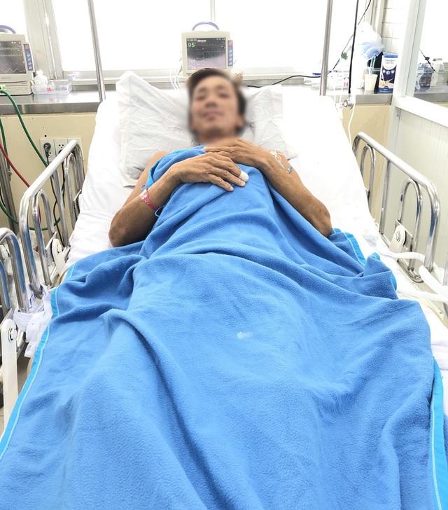 Bệnh nhân bị rắn hổ chúa cắn tạm qua cơn nguy kịch - 1