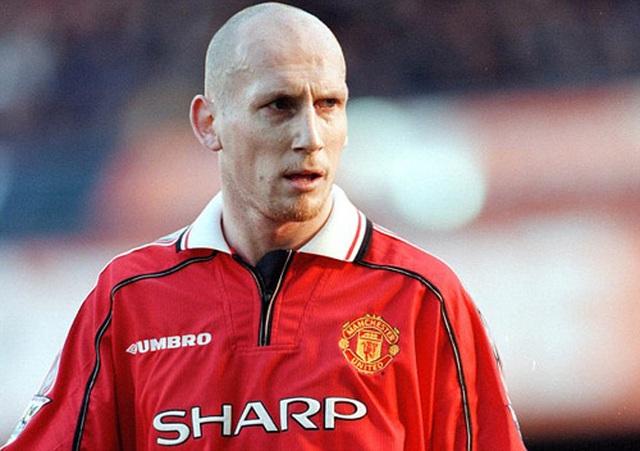 """Van de Beek tới Man Utd: Những người Hà Lan """"bay"""" ra sao ở Old Trafford? - 4"""