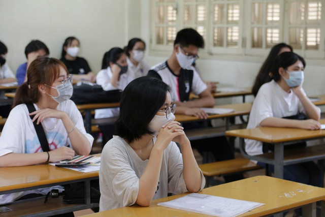 Đề thi tốt nghiệp THPT 2021 sẽ không mới, không khó nhưng có sự gây nhiễu - 2