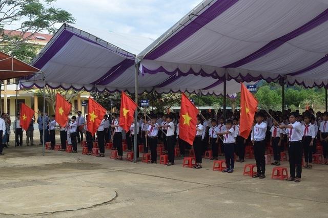 Quảng Bình: Chỉ lớp đầu cấp và đại diện các cấp học khác dự lễ khai giảng - 1