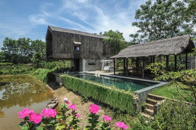 Chán biệt thự nhà phố, nhà giàu Việt về quê làm nhà mái rạ giản dị mà đẹp - 12