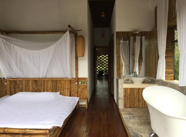 Chán biệt thự nhà phố, nhà giàu Việt về quê làm nhà mái rạ giản dị mà đẹp - 15