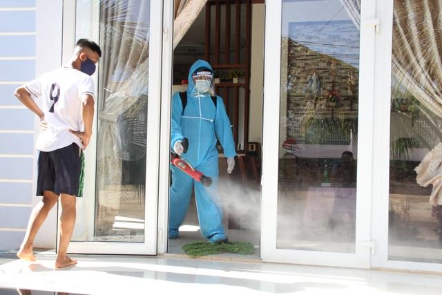 Cách ly hơn 300 hộ dân tại TP Buôn Ma Thuột phòng bạch hầu - 5