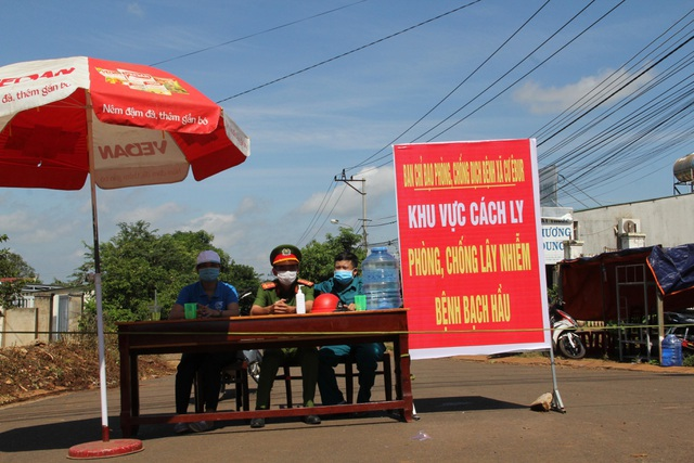 Cách ly hơn 300 hộ dân tại TP Buôn Ma Thuột phòng bạch hầu - 1