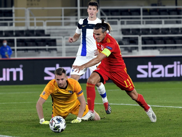 Gareth Bale gây thất vọng trong màu áo đội tuyển Xứ Wales - 4
