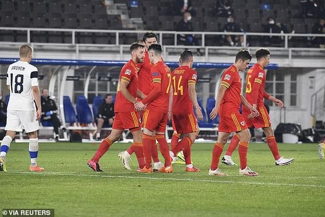 Gareth Bale gây thất vọng trong màu áo đội tuyển Xứ Wales - 9