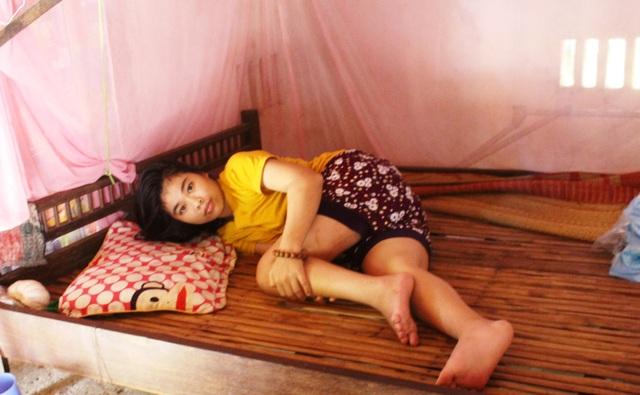 Bạn đọc giúp đỡ hoàn cảnh cha mẹ nghèo nuôi hai con bị bại liệt - 2