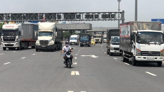 Cấm xe máy lên cầu vượt ngã tư Vũng Tàu sau khi dừng trạm thu phí - 2