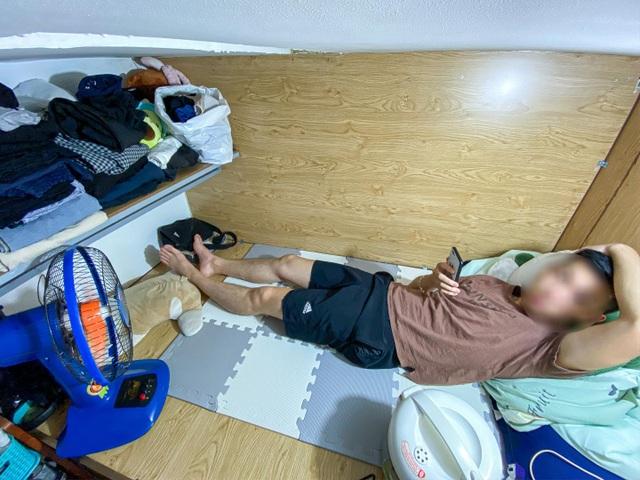 Cuộc sống khó tin bên trong những phòng trọ hộp diêm chỉ 3m2 ở Hà Nội - 8