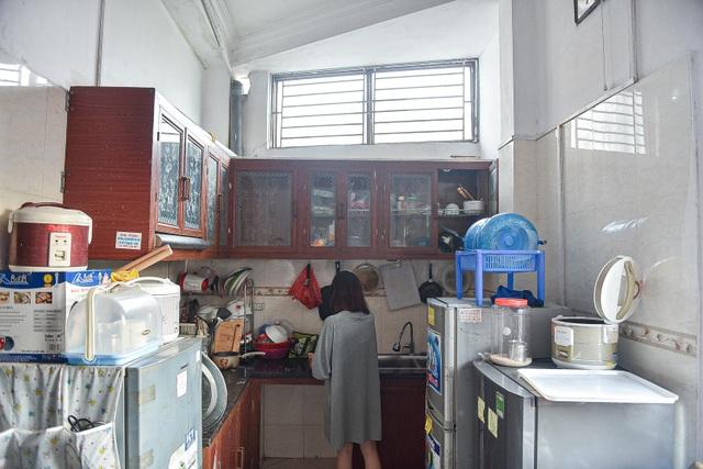 Cuộc sống khó tin bên trong những phòng trọ hộp diêm chỉ 3m2 ở Hà Nội - 14