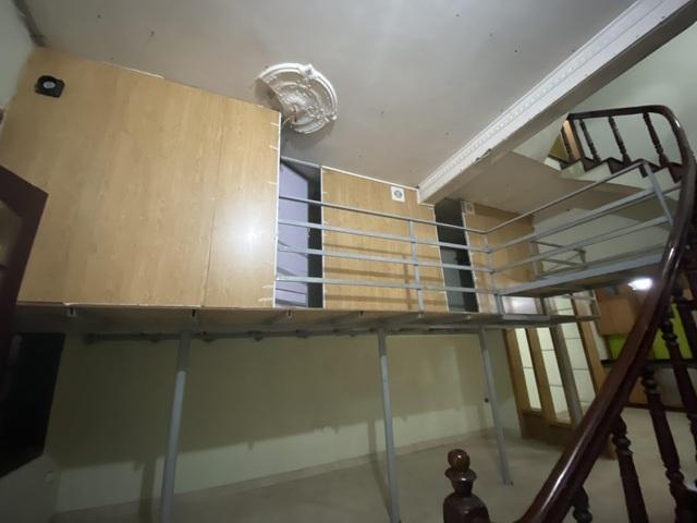 Cuộc sống khó tin bên trong những phòng trọ hộp diêm chỉ 3m2 ở Hà Nội - 17