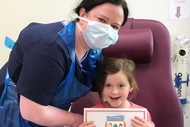 Thêm triệu chứng quan trọng giúp nhận biết trẻ em mắc COVID-19 - 1