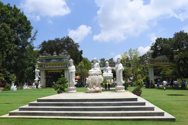 Ngôi chùa 300 năm tuổi trên đỉnh Thiên Ấn - 2