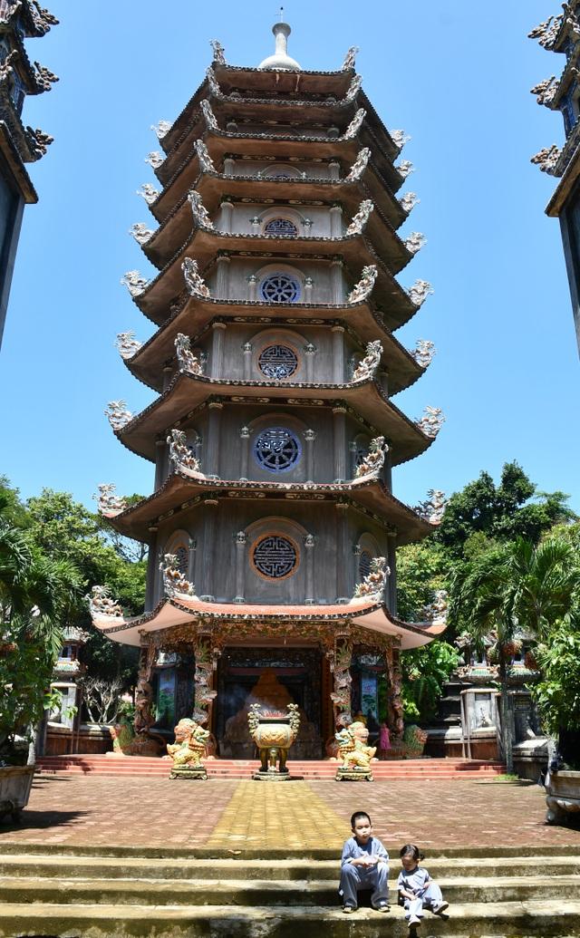 Ngôi chùa 300 năm tuổi trên đỉnh Thiên Ấn - 6