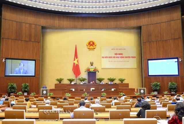 """Bộ trưởng Trần Hồng Hà giải trình việc """"gộp"""" 7 loại giấy phép xả thải - 1"""