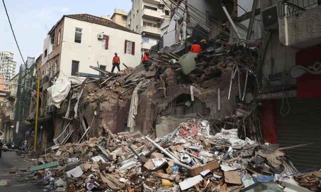 Phát hiện dấu hiệu sự sống dưới đống đổ nát vụ nổ kinh hoàng Beirut - 1