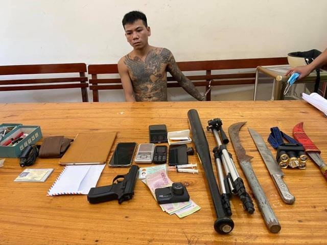 9X mang 3 tiền án, vừa ra tù tiếp tục tàng trữ súng và ma túy - 1