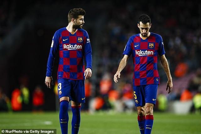 HLV Ronald Koeman tính chọn Pique làm thủ quân Barcelona - 1