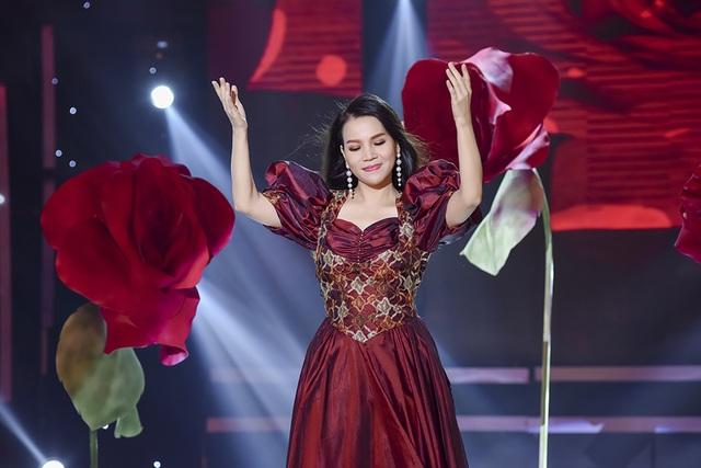Quý Bình trở lại âm nhạc trong liveshow của Trúc Thy - 2