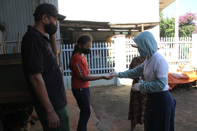 Cách ly hơn 300 hộ dân tại TP Buôn Ma Thuột phòng bạch hầu - 2