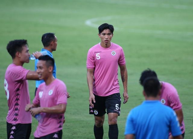 Văn Hậu đá 45 phút, CLB Hà Nội thắng đậm CLB Viettel - 6