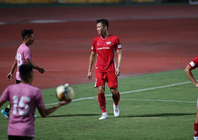 Văn Hậu đá 45 phút, CLB Hà Nội thắng đậm CLB Viettel - 8
