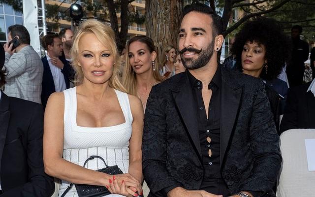 Pamela Anderson bị đồn hẹn hò với vệ sĩ kém tuổi - 5