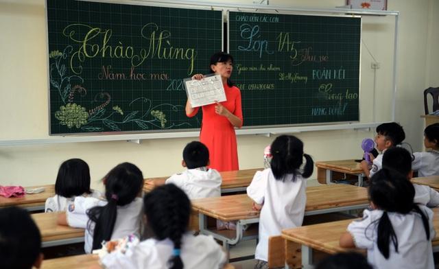 """Lễ khai giảng đặc biệt ở ngôi trường được """"khai sinh"""" giữa dịch Covid-19 - 12"""