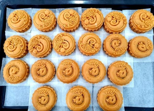 Kinh doanh bánh Trung thu handmade: Giới trẻ bội thu từ nghề tay trái - 1